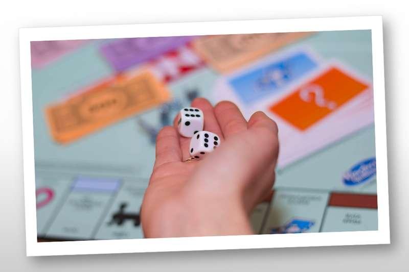 玩地產大亨是帶孩子學理財的好機會!(圖/作者提供)