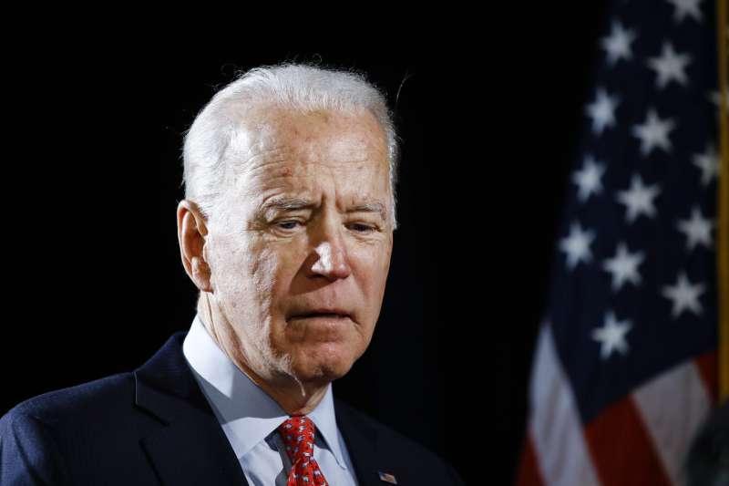 美國前副總統拜登有望代表民主黨角逐白宮大位,但22日他發表關於非裔美國人的言論遭到強烈砲轟(美聯社)