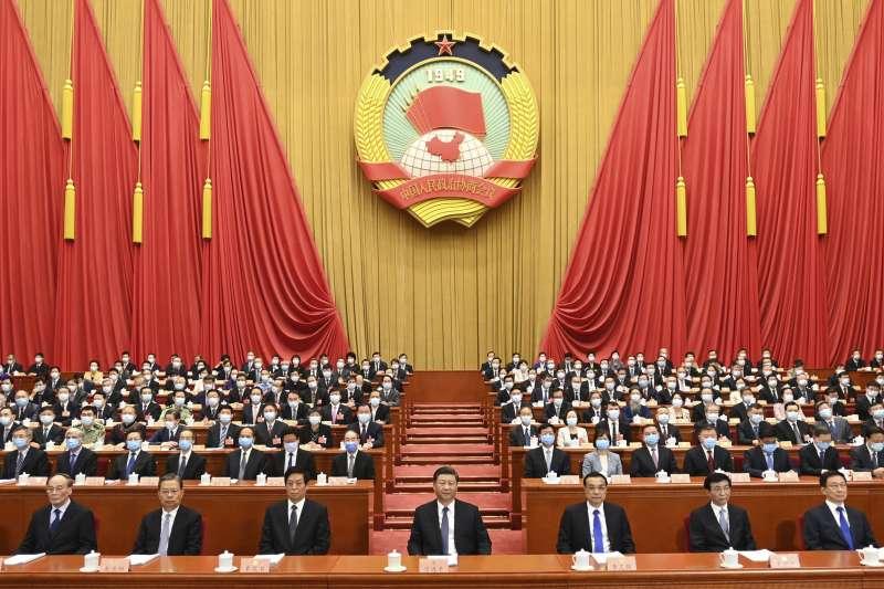 中國全國人大會議通過「香港版國安法」,法條內容包括分裂國家、顛覆國家政權、組織恐怖活動,及境外勢力干預香港事務。(AP)