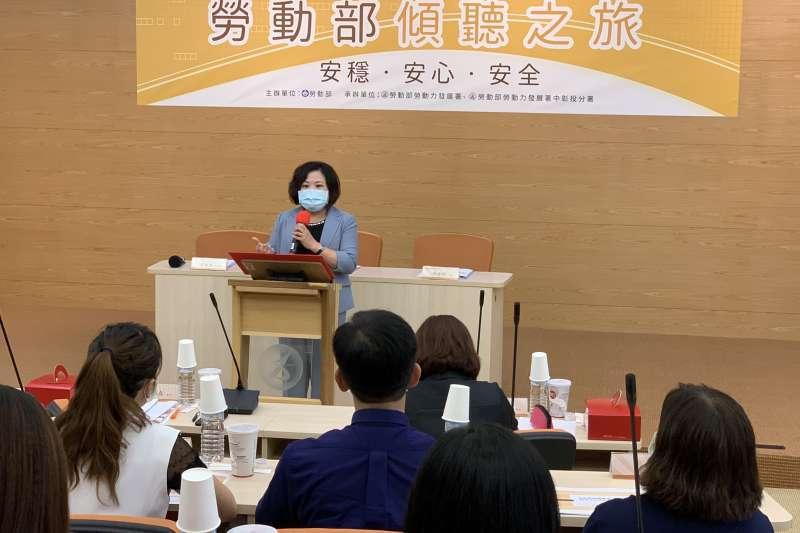 勞動部部長許銘春指出,挺企業,穩定勞工就業,是政府責無旁貸的責任。(圖/勞動部中彰投分署提供)