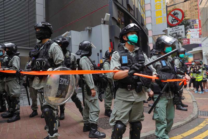 「港版國安法」與《國歌條例》爭議最近讓香港的反中國抗爭再起,華盛頓方面也很快地宣布計畫取消對港的特殊貿易待遇。(資料照,美聯社)