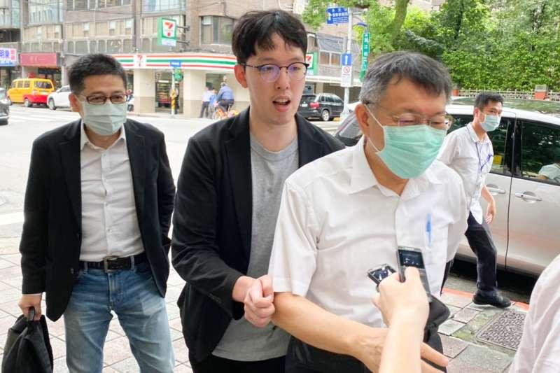 台灣民眾黨秘書長,將由先前代表國民黨參選2次基隆市長失利的謝立功(左)接任。(資料照,讀者提供)