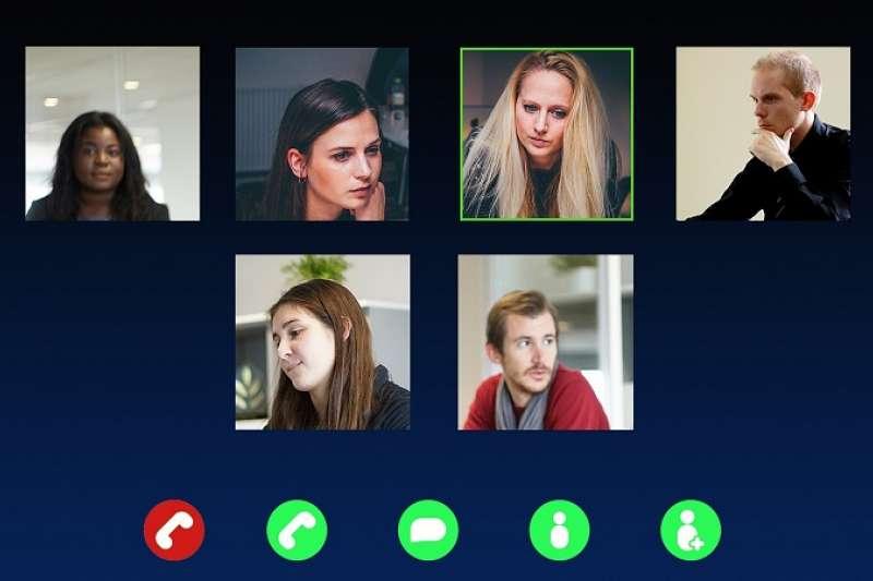 Mark第一次主持Con-call,會議開始前先點名,他話一出口氣氛就變得超奇怪。到底他犯了什麼錯呢?(圖/pixabay)