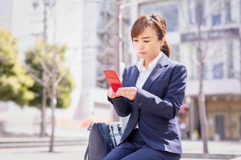 剛進入職場更該學會如何談薪水,否則就只能等著被剝削!(示意圖/buri@photoAC)