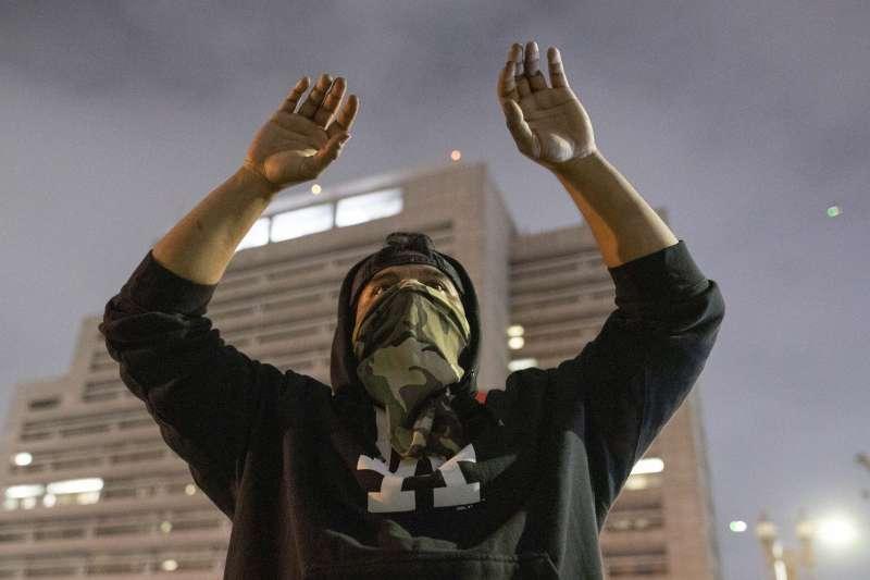 2020年5月,美國再度爆發大規模種族動亂,洛杉磯(AP)