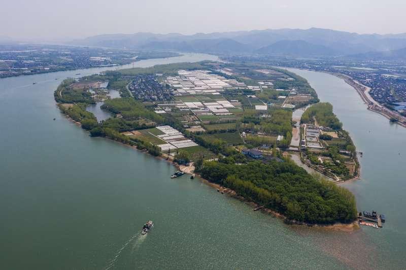 杭州富陽富春江中的新沙島。(新華社)