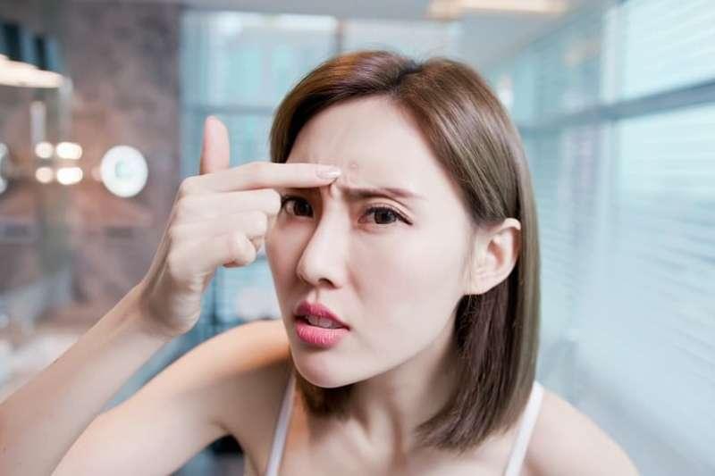 額頭的皮膚狀況能反映健康狀況。(圖/Hello醫師)