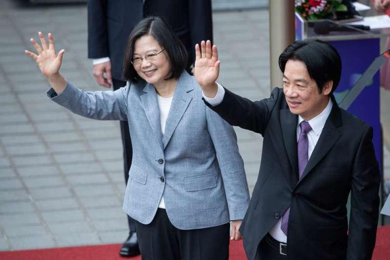 蔡英文(左)在520就職演說未提香港,其實隱含印太局勢變動的考量。(總統府提供)