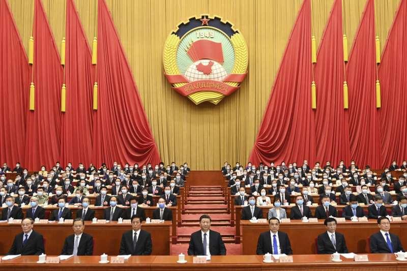 習近平(中)政權進行「反西方的民粹主義」。(美聯社)