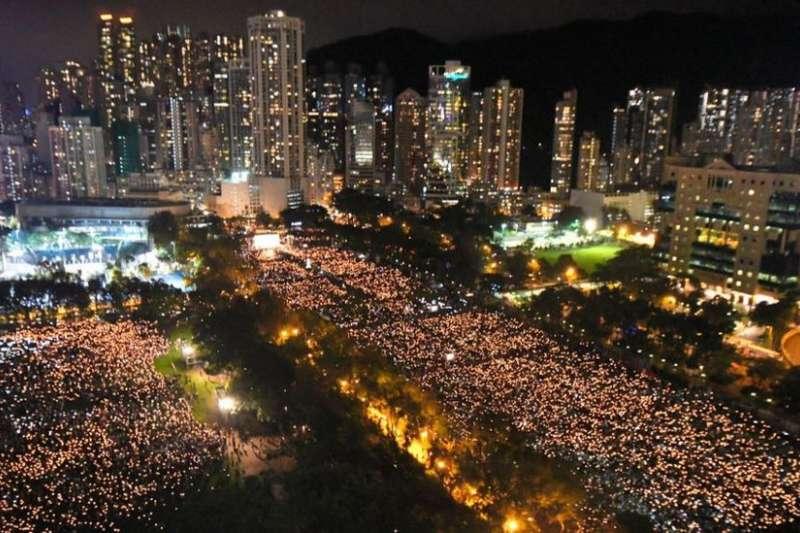 香港維多利亞公園過去30年來都會舉辦六四事件紀念晚會。(BBC中文網/Getty Images)