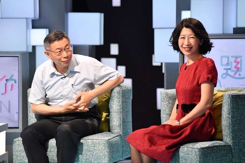 台北市長柯文哲(左)管不住老婆陳佩琪(右)臉書發文。(取自陳佩琪臉書)