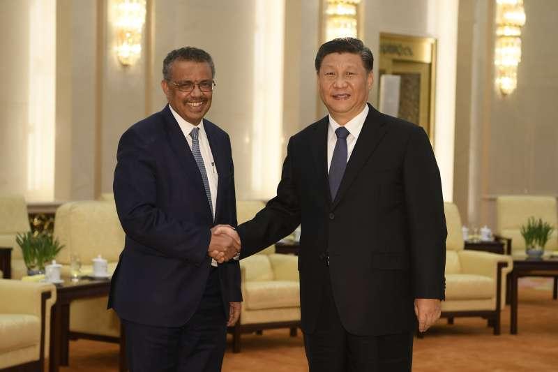 2020年1月28日,世界衛生組織總幹事譚德塞(Tedros Adhanom Ghebreyesus)與中國國家主席習近平相見歡(資料照,AP)
