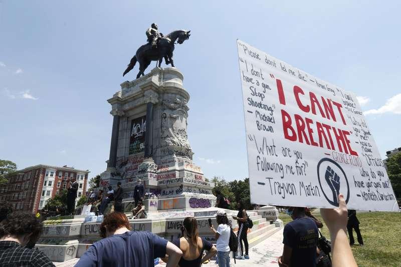 2020年6月4日,美國維吉尼亞州宣布將拆除李將軍(Robert E. Lee)位於首府里奇蒙的青銅雕像(AP)