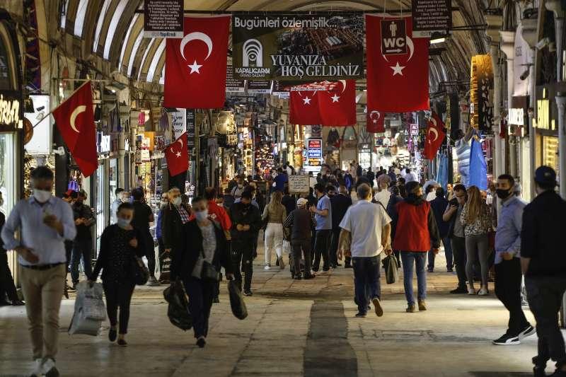 土耳其公布最新經濟數據,GDP慘淡、里拉狂貶。(AP)