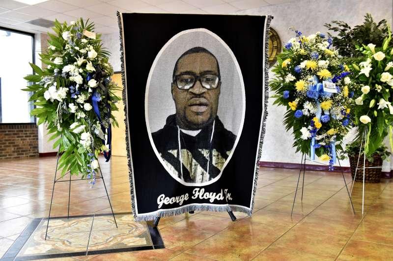 佛洛伊德案:佛洛伊德老家北卡羅來納州舉行悼念會(AP)