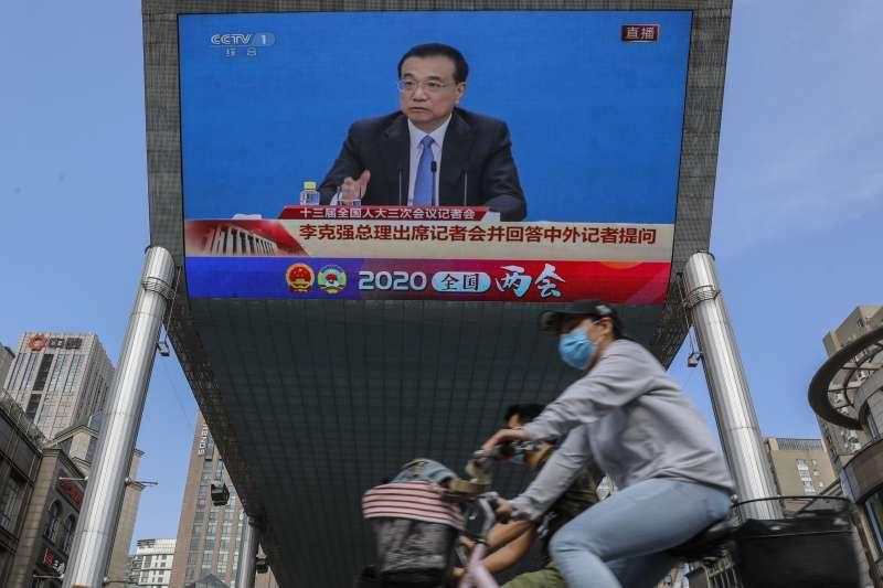 中國國務院總理李克強力推「地攤經濟」(AP)
