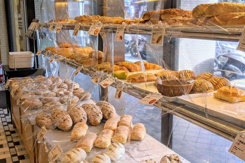 布列德麵包將在6月30日停止實體門市營業,9家營業門市將全部收攤。(圖/取自布列德麵包粉絲團)