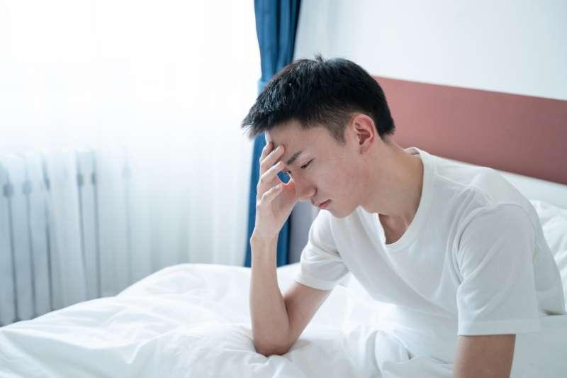 每到夏天總覺得全神無力、明明睡很久還是想睡嗎,中醫師提供這些不用看醫生的解決方法。(資料照,示意圖)