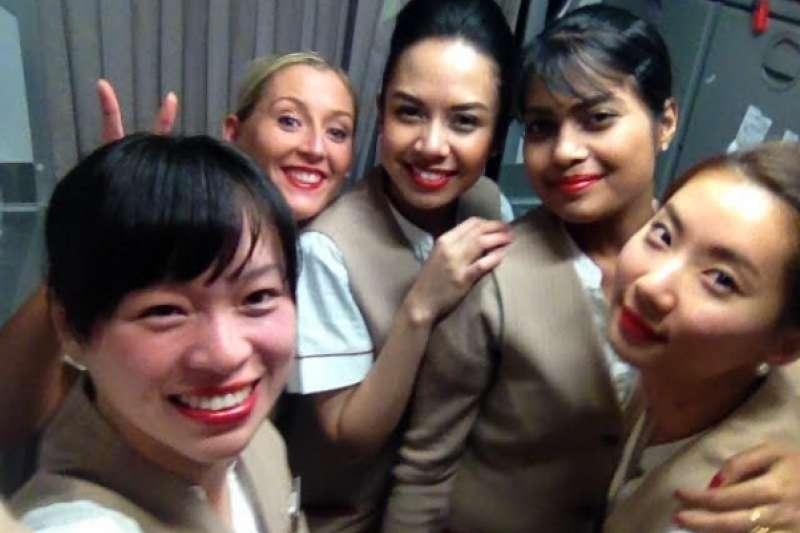 身為前阿聯酋空姐的她,現在成功轉職運動品牌人資,用自己的實力證明空姐所獲得的經驗是別人搶不走的!(圖/Annie提供)