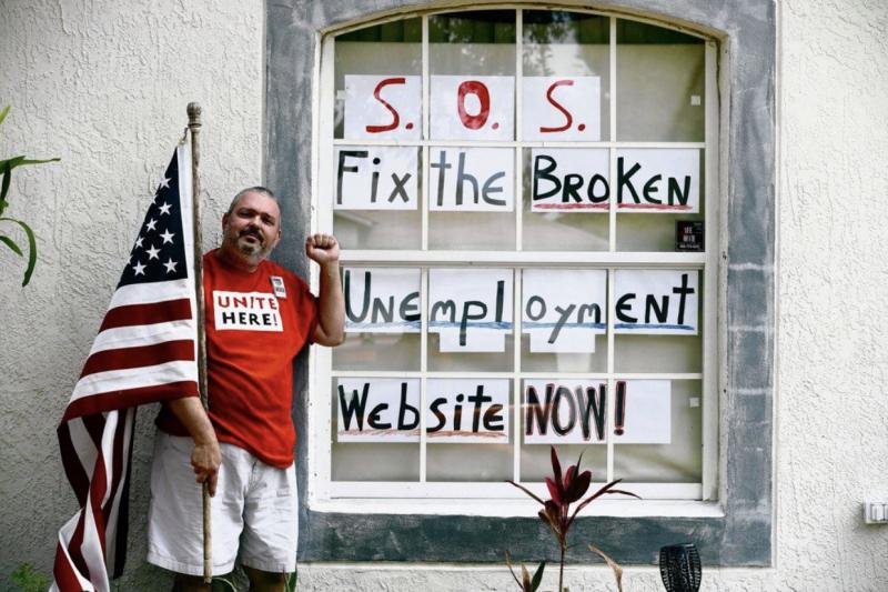 自3月中旬以來,美國各州計劃提交的失業救濟申請超過4000萬人。僅管經濟活動逐漸恢復,惟裁員潮仍持續。(圖/作者提供)