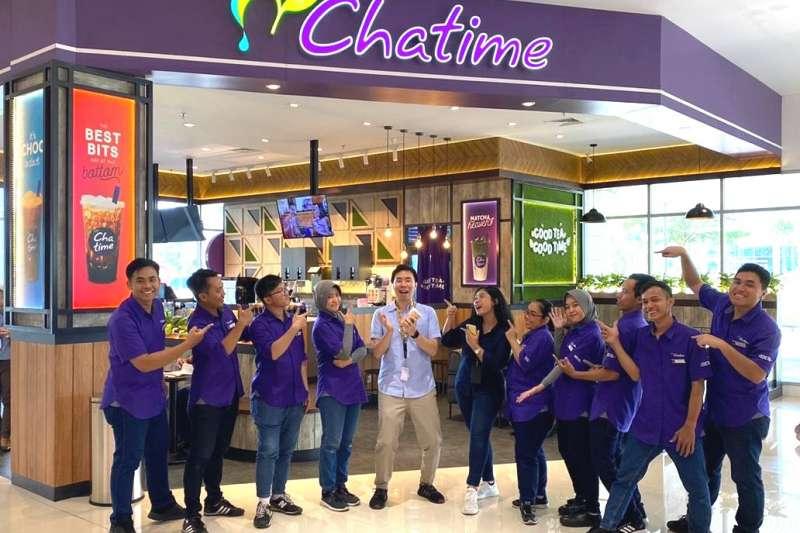 六角國際旗下「Chatime日出茶太」在進入疫情下半場的2020年年底,光12月單月新增門店就達17家,展店動能再啟,預計2021門店全年淨成長至少兩成。。(圖/六角國際提供)