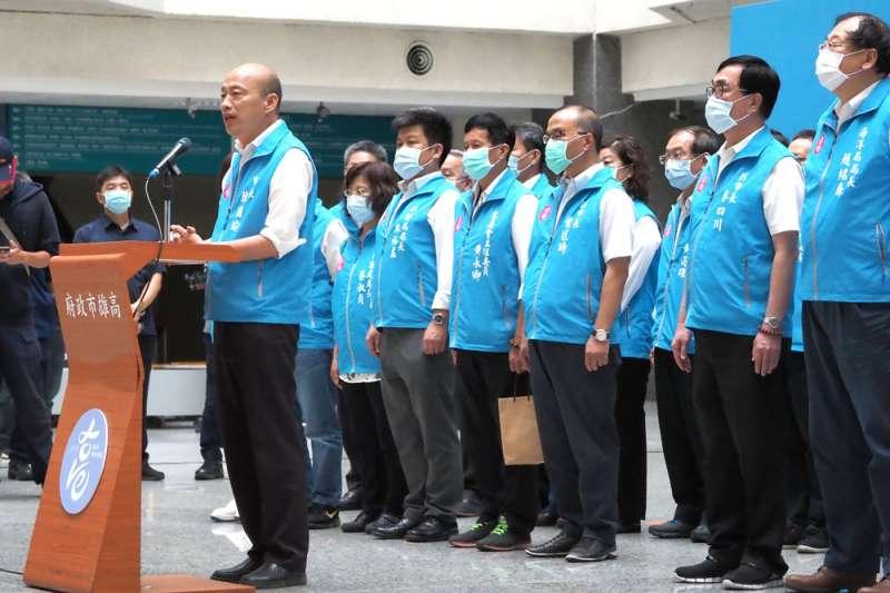 韓市府團隊宣揚的政績,沒有說服高雄市民放棄罷免。(林瑞慶攝)