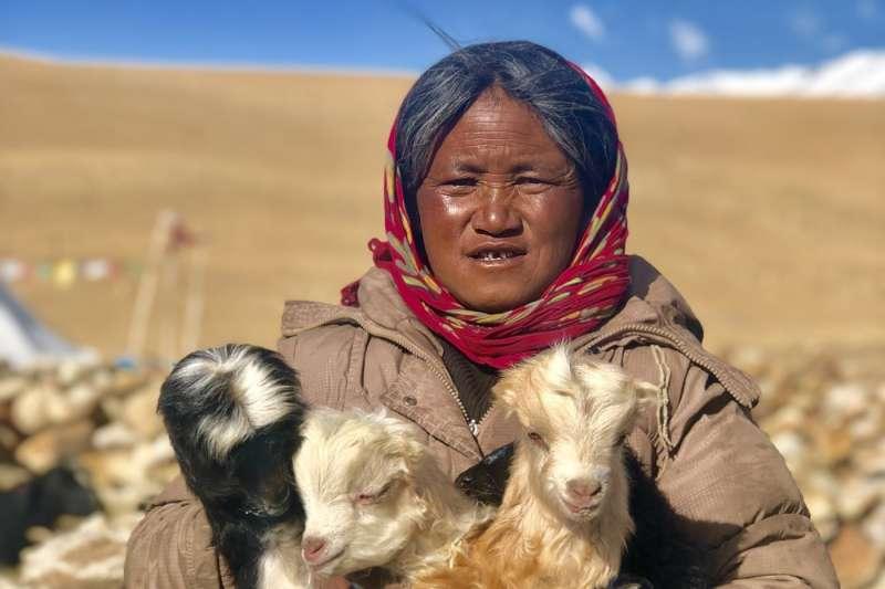 達拉克的居民多是牧民,他們依靠放養牲畜生存。(BBC中文網)