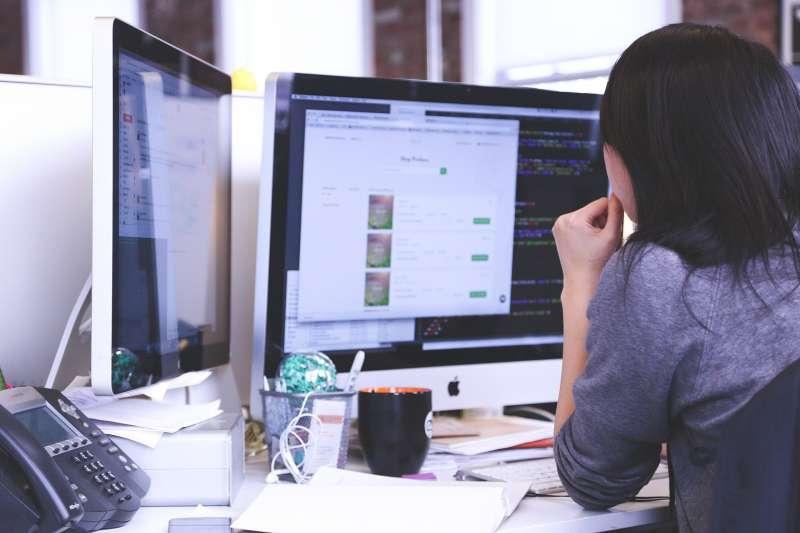 替團隊設立「禁止回信時間」,有助於提升員工的辦公效率。(圖/StartupStockPhotos@pixabay)