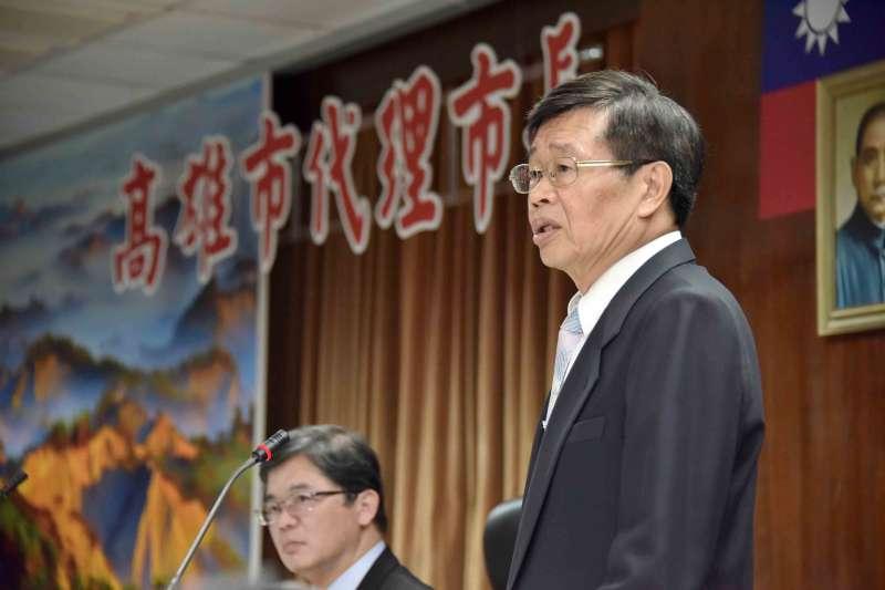 20200613-高雄代理市長楊明州(右)13日宣誓就職。(高雄市政府提供)