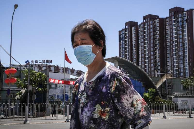 2020年6月中旬,中國首都北京新冠肺炎疫情再起(AP)