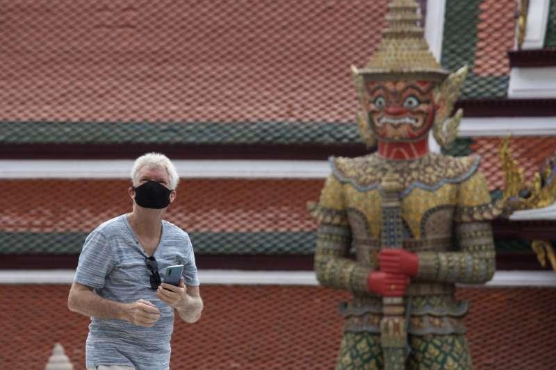 泰國疫情趨緩,擬開放國際旅客入境,重振觀光產業。(AP)