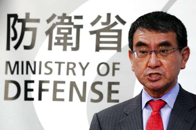 日本防衛大臣河野太郎表示,日方決定中止裝設陸基神盾系統。(美聯社)