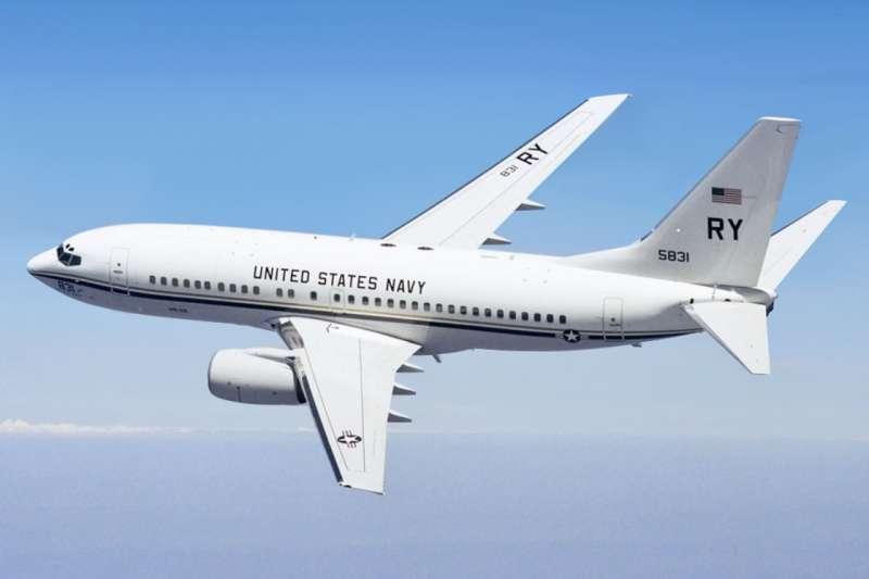 美軍C-40A運輸機臨時變更航線,直接穿越台灣上空,與共軍較勁。(翻攝自維基百科)