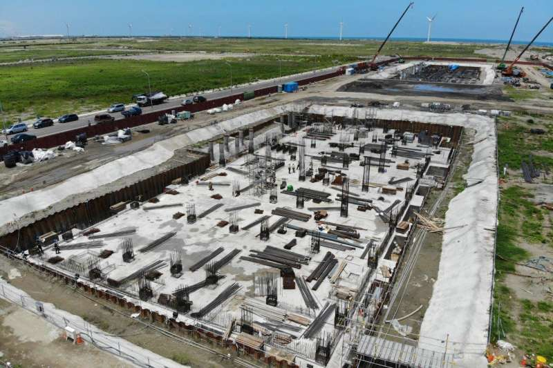 大彰化東南及西南第一階段離岸風場兩座陸上變電站,主建築物地基工程工程如火如荼進。(沃旭能源提供)