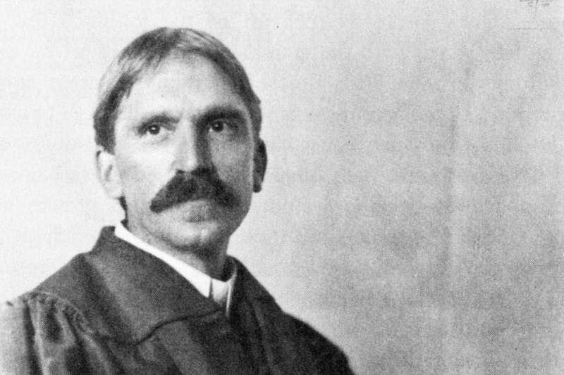 哥倫比亞大學教授約翰杜威(John Dewey)影響五四運動代表人物胡適深遠。(資料照,取自維基百科)。