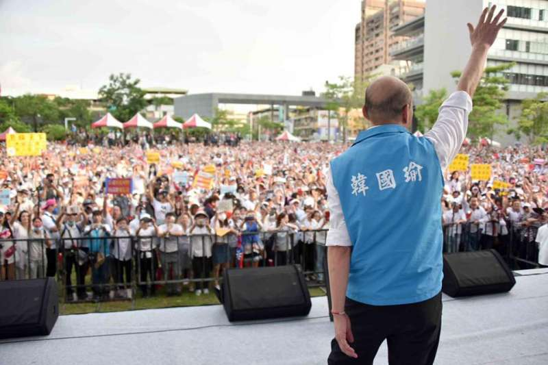 曾發起「嗆聲公車」挺韓的國民黨台北市議員羅智強直言,自己不願為罷韓作票說背書,強調自己「真的挺韓國瑜,有些話就不得不說」。(資料照,翻攝自韓國瑜臉書)