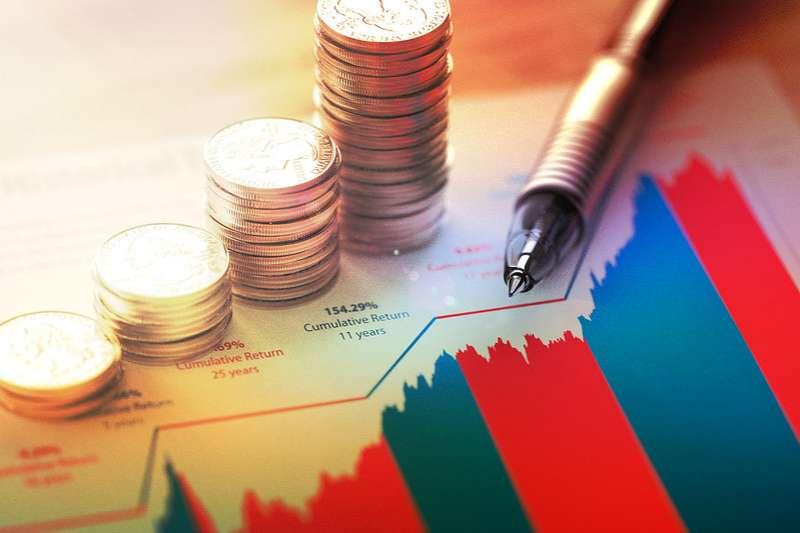 大多數人都是花自己的私人時間進行研究,從事投資,管理自己的金錢。(圖:flickr)