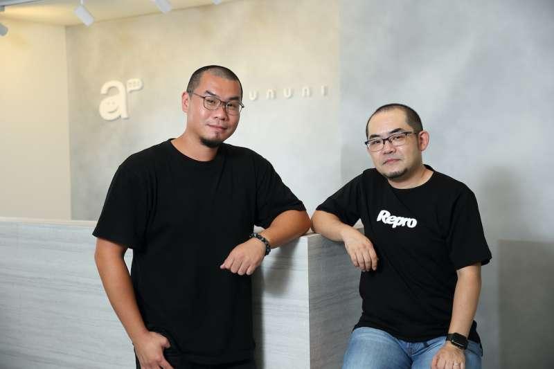 台灣 awoo 與日本最大戶顧客互動平台 Repro 正式結盟,進攻台灣市場。(左) awoo 執行長暨創辦人林思吾 (右) Repro 亞太區 CRO 首席營收長河嶌佐登志 (圖/未來商務展提供)