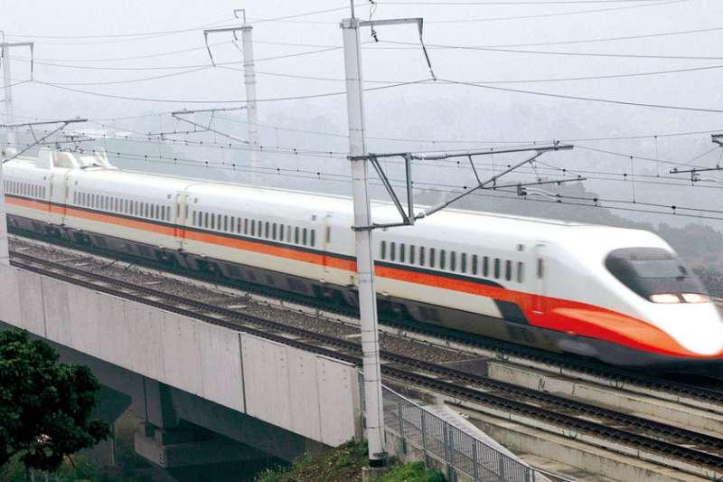 台灣高鐵17日表示,經檢視運能狀況,中秋連假再加開8班列車,包括南下、北上各4班,自19日凌晨零時起開放訂票。(新新聞資料照)