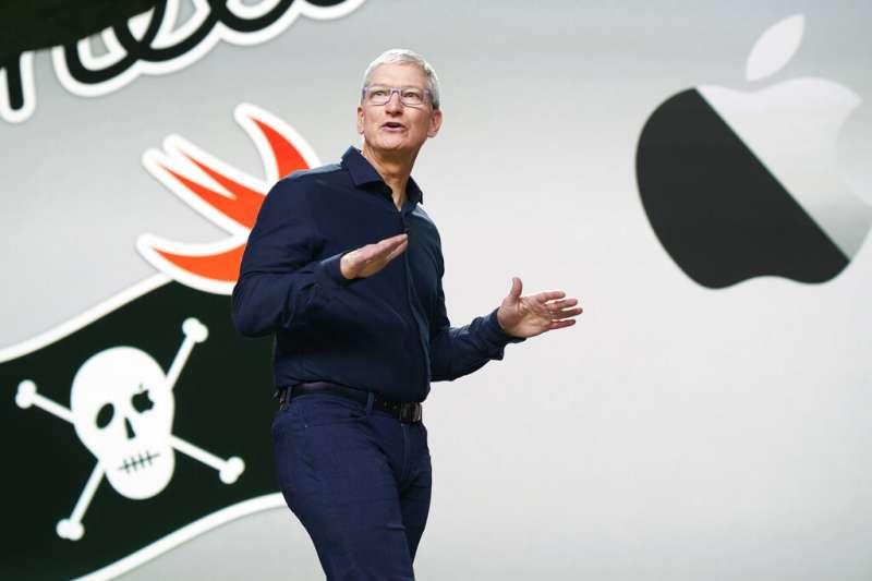 蘋果公司宣布旗下電腦未來將改用蘋果自家的ARM架構處理器,圖為執行長庫克。(美聯社)