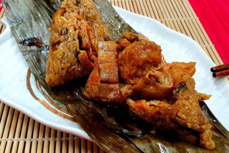 億長御坊的麻辣肉粽口味超特別!(圖/取自億長御坊官網)