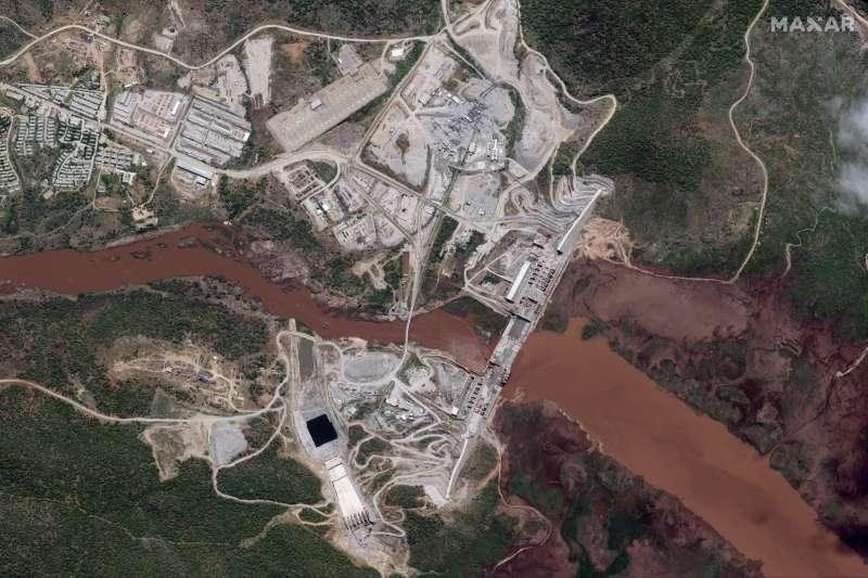 衣索比亞具爭議的復興大壩衛星圖(AP)