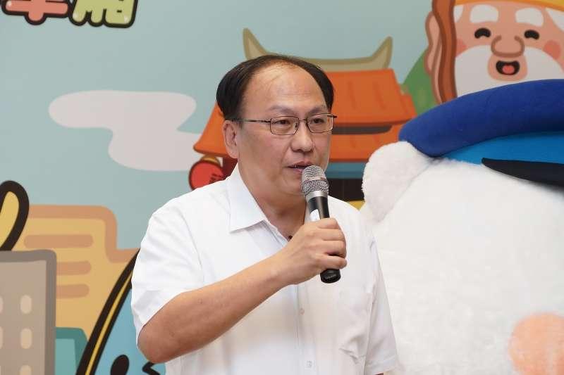 20200628-新北捷運局長李政安28日出席環狀線「熊站長Fun暑假」快閃活動。(盧逸峰攝)
