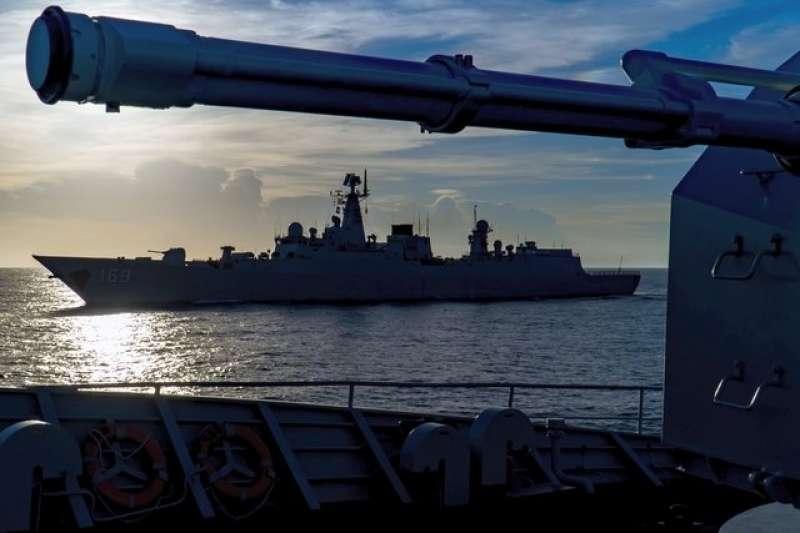 在南海巡弋的中國海軍。(中國軍網)
