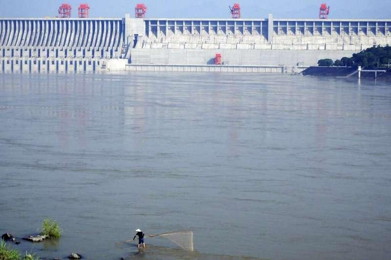 「鎮江王」在這長江中下游一帶討生計,也不只三年五載了,仗著自己水性高人一等,聚成大夥。示意圖。(資料照,美聯社)