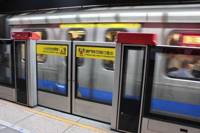 台北市公運處近期找出了搭破萬元車程的「月票神人」,發現這些萬元常客總共有3人,其中2人以搭北捷為主,另1人主要搭乘捷運。(資料照,取自Flickr)