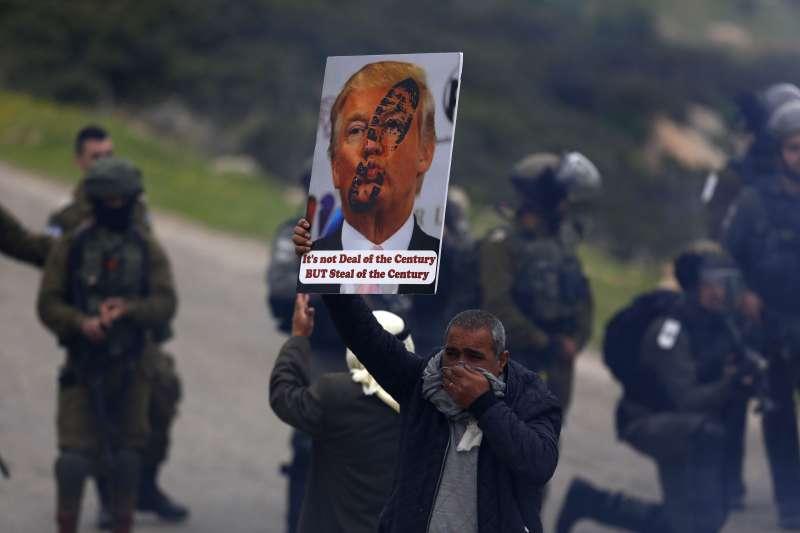 美國總統川普對以巴問題一面倒支持以色列,成為巴勒斯坦人公敵(AP)