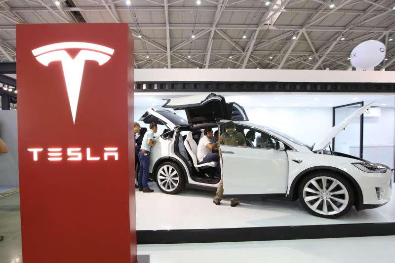 瑞銀將美國電動車滲透率預期上調4個百分點,2025年電動車份額達到12%。歐盟/中國引領的增長會帶動全球電動車滲透率升至2025年的17%左右,2030年的40%左右。(郭晉瑋攝)