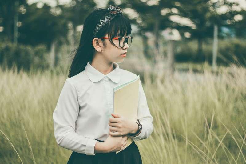 唯有政策制定者能精確掌握雙語教育的理念與內涵,雙語教育才足以成為臺灣邁向國際化的墊腳石,而非絆腳石。(圖/pixabay)
