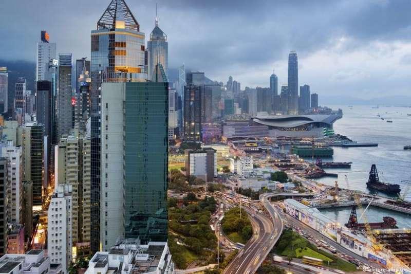 港版國安法大概會受到中資企業的歡迎,但是從長遠看,香港的自治地位和商業環境將會受到嚴重損害。(AP)